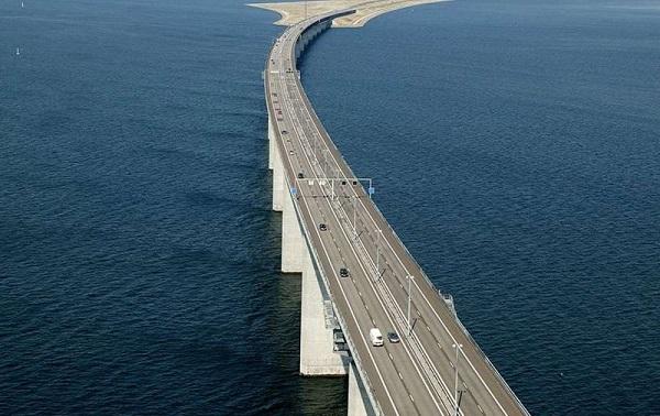 Cây cầu biến mất một nửa nối liền Đan Mạch và Thụy Điển 2