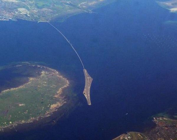 Cây cầu biến mất một nửa nối liền Đan Mạch và Thụy Điển 4