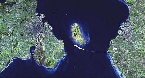 Cây cầu biến mất một nửa nối liền Đan Mạch và Thụy Điển 6